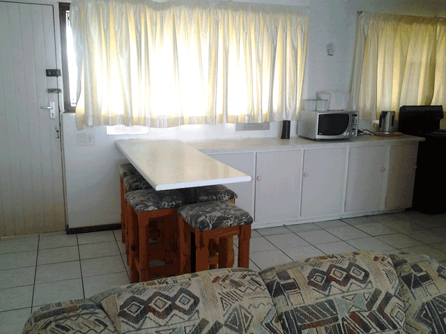 stella-maris-164-accommodation-in-amanzimtoti-dinning-room