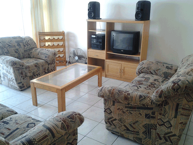 stella-maris-164-accommodation-in-amanzimtoti-lounge